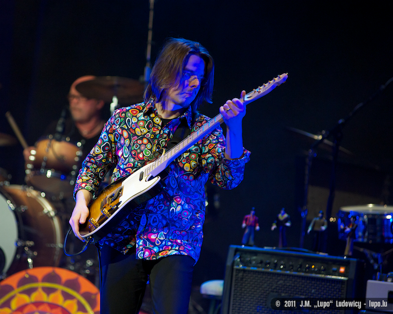 2011-10-22-tribute-to-the-beatles-the-cube-100